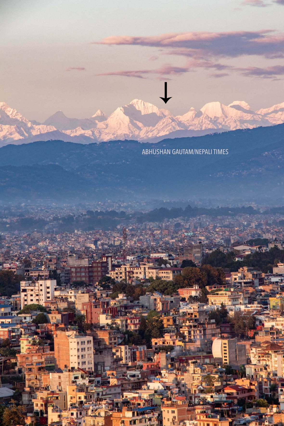 Mt-Everest-seen-from-Kathamndu-during-the-COVID-19-lockdown-NT-2